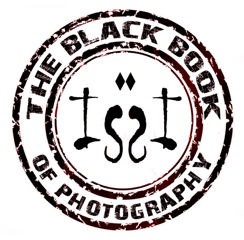 theblackbookROJO